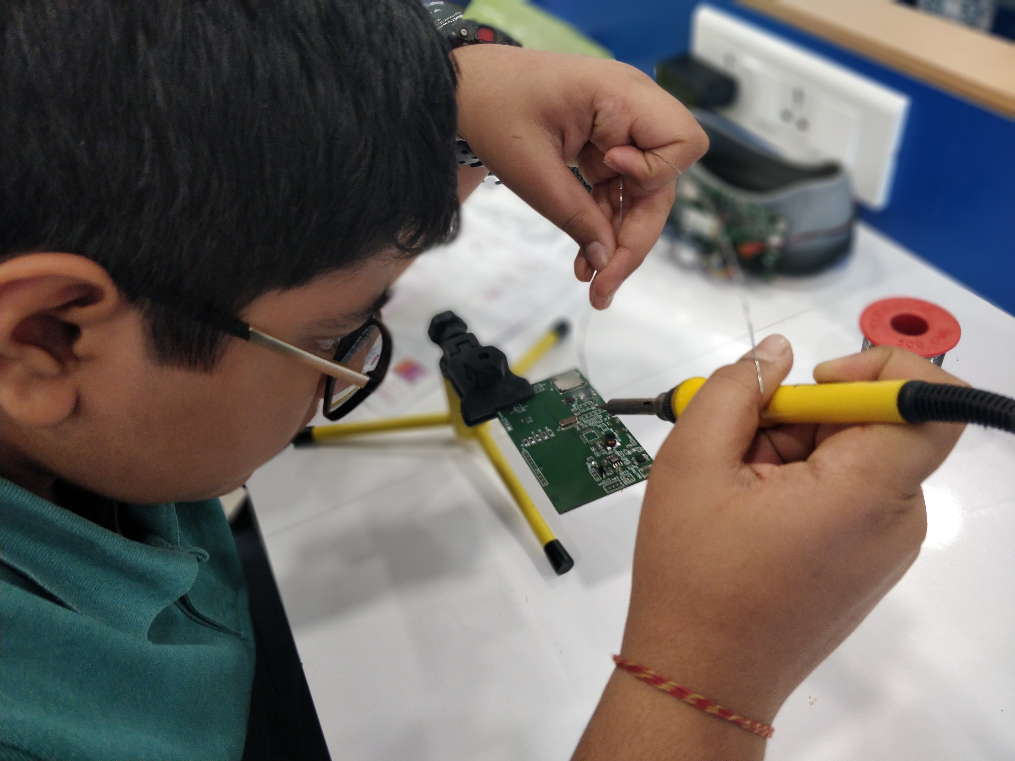 Preparing Young Indians for a Robotic Era : On My Own Technology